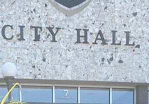 Task force will crunch the numbers on pay hikes for City council. (Daily News photo)