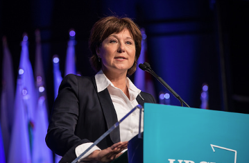 Premier speaks to convention Friday. (UBCM photo)