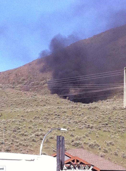 Vehicle-grass fire above Batchelor Heights. (Mike Cornell photo)